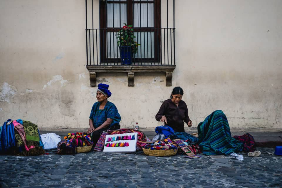 Antigua-Guatemala-Locals