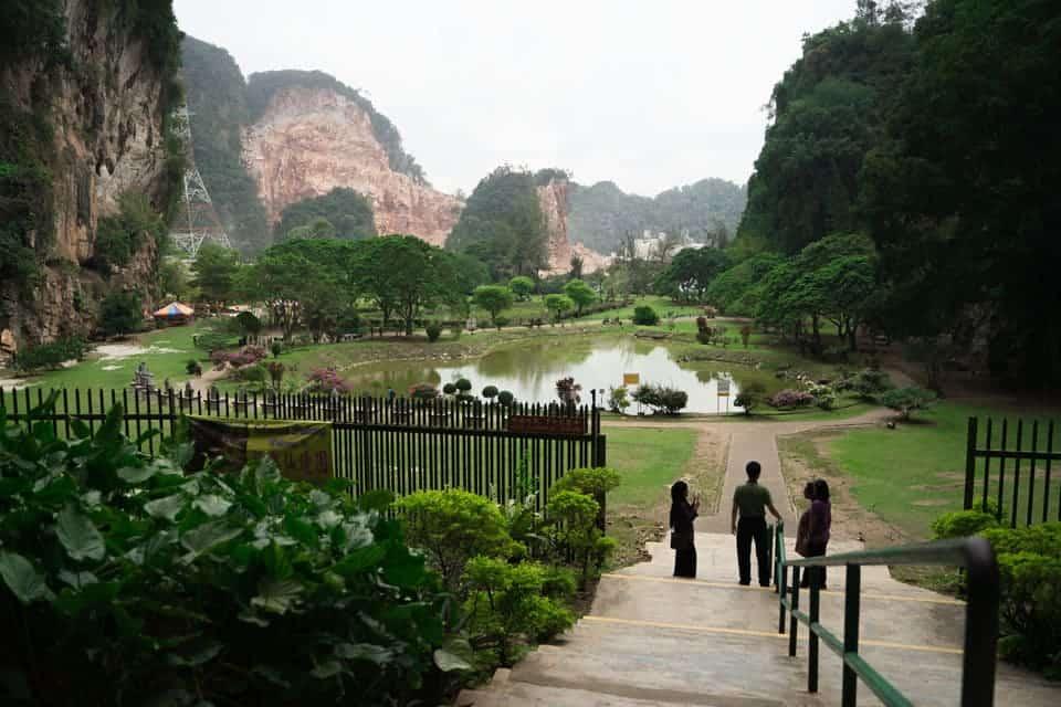 Kek-Lok-Tong-Ipoh tourist place