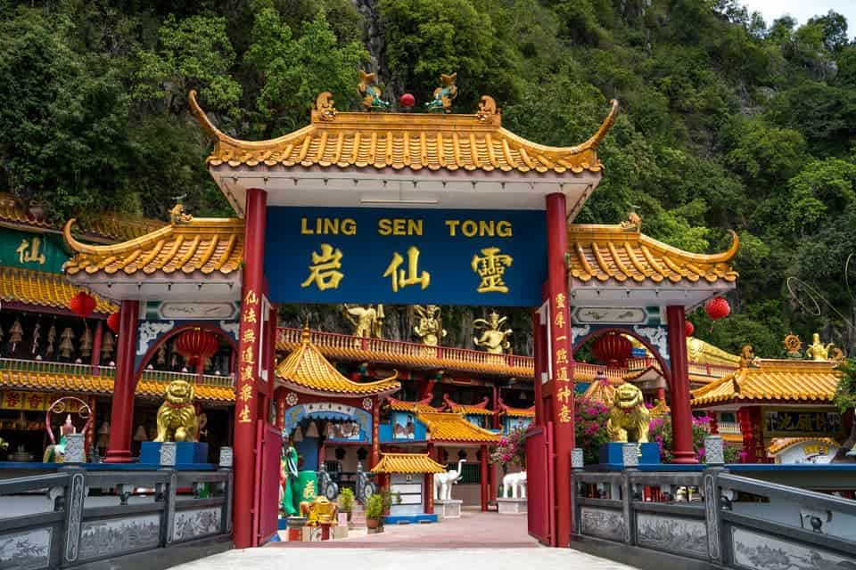 Ling-Sen-Tong-Temple-ipoh place to visit