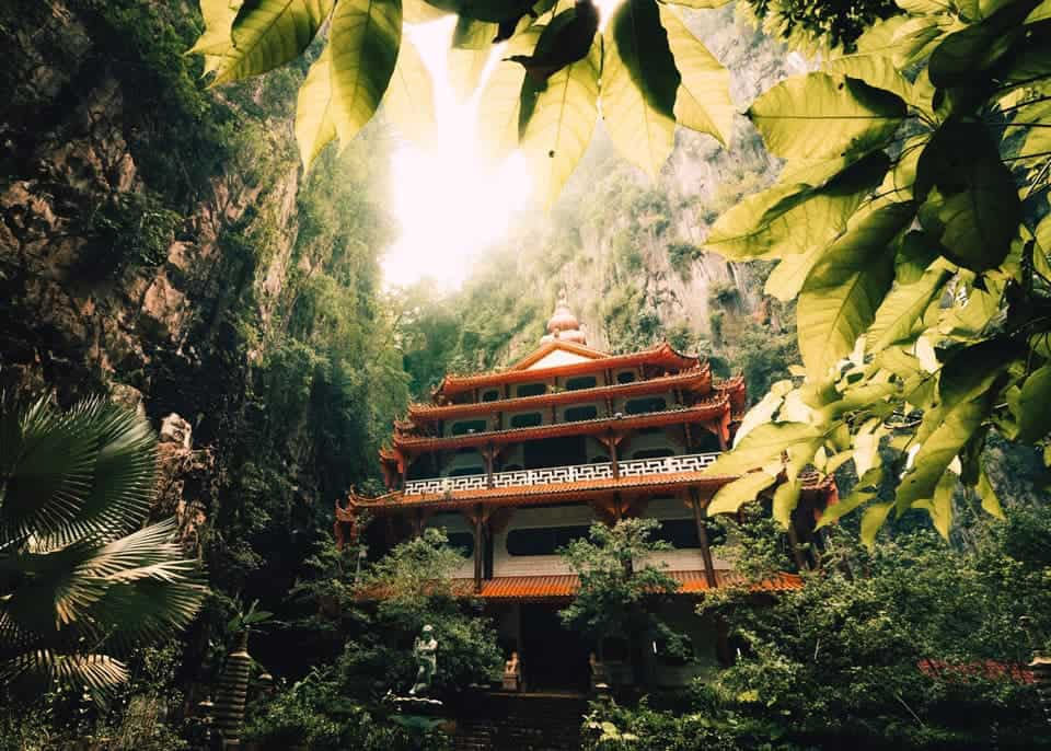 Sam-Poh-Tong-Temple-Ipoh attraction places