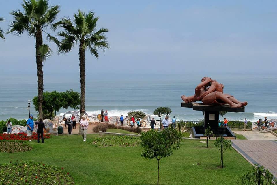 Love-Park-Parque-del-Amor-Lima