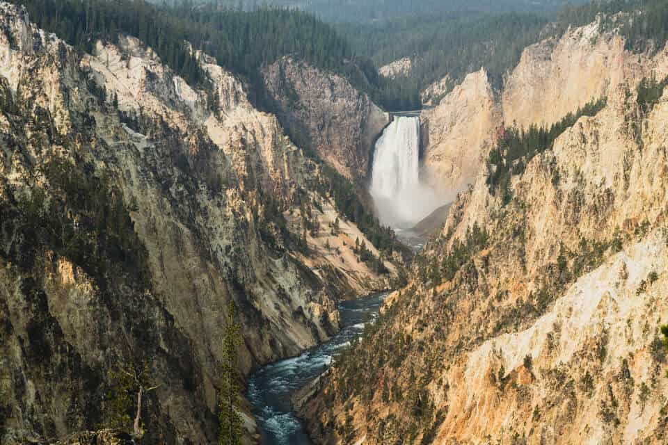 Grand-Canyon-Of-The-Yellowstone-At-Artist-Point