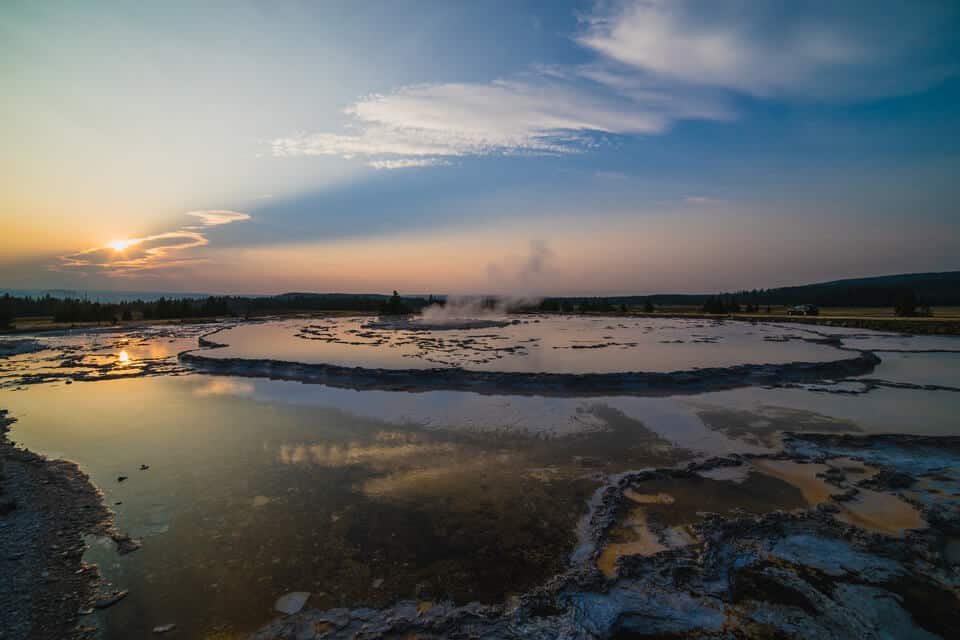 Great-Fountain-Geyser-Yellowstone