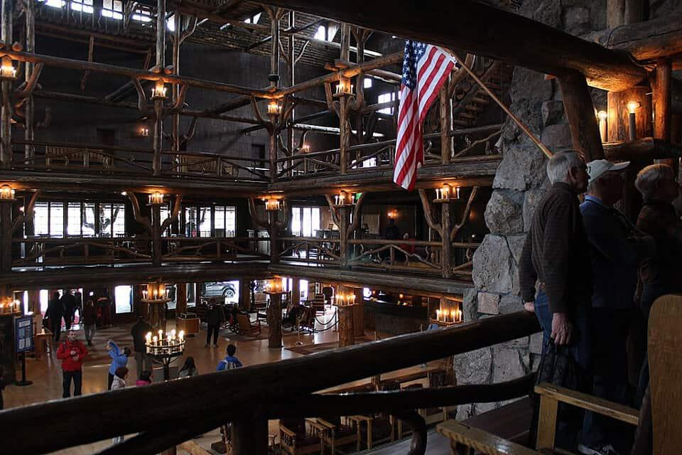 Old-Faithful-Inn-Yellowstone