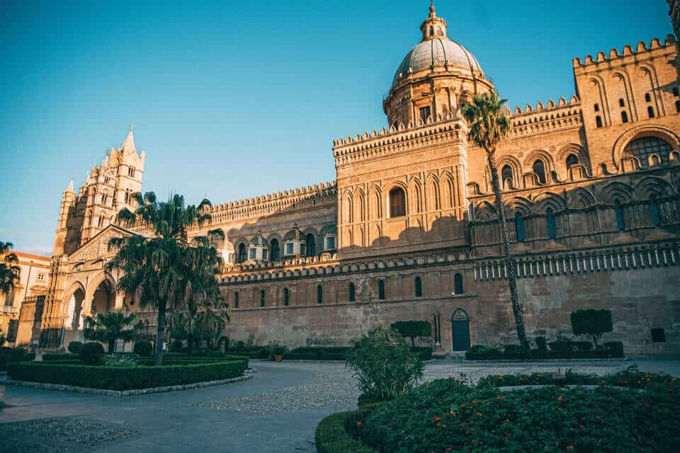 Palermo-Italy-December-Winter-Sun-Europe