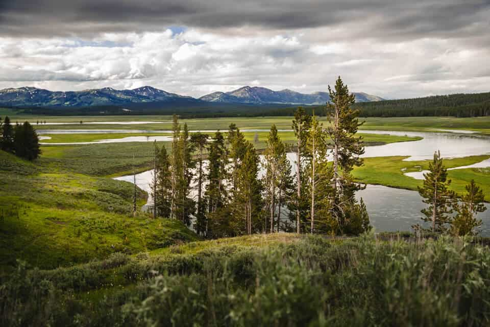 Staying-In-Or-Near-Yellowstone-National-Park