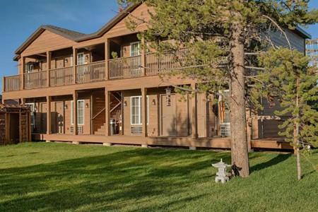 Tao's-Inn-West-Yellowstone-1
