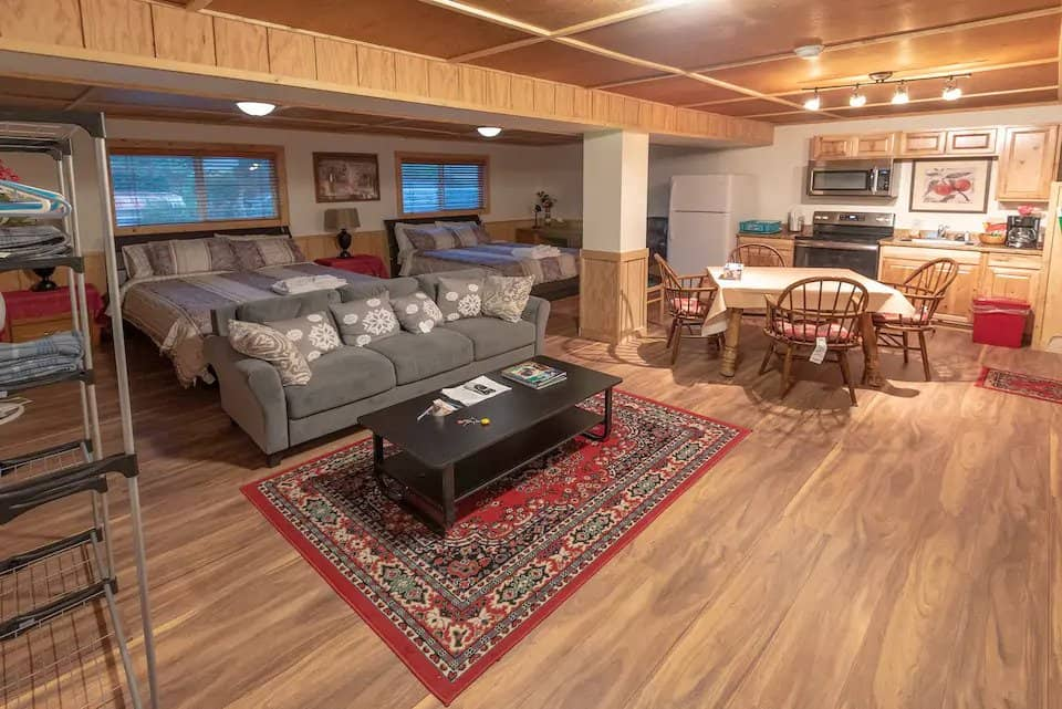 Yellowstone-Townhouse-(#2)-Airbnb