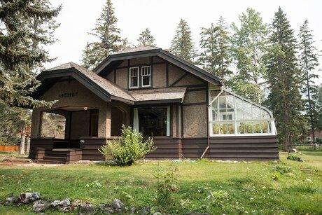 Airbnb Canada Banff
