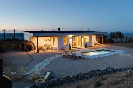 Luxury Joshua Tree Airbnbs with Hot Tub