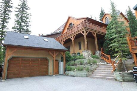 b & b Banff Cabin