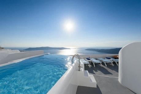 Best Airbnbs in Imerovigli