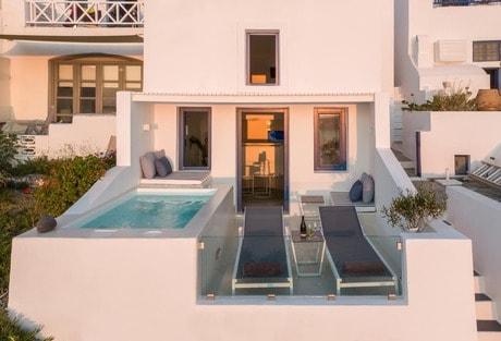 Best Santorini Airbnbs