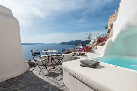 Honeymoon Villa In Santorini