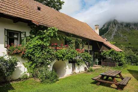Where To Stay In Rimetea Romania