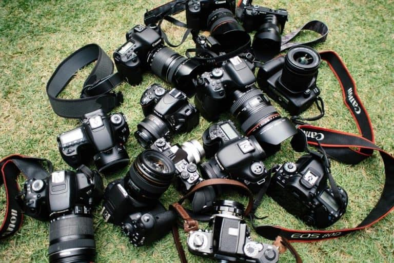 Best Cameras For Bloggers Featured