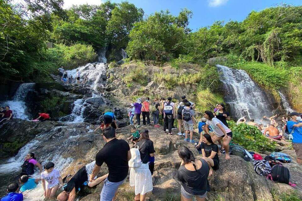 Silvermine Waterfall Mui Wo HK