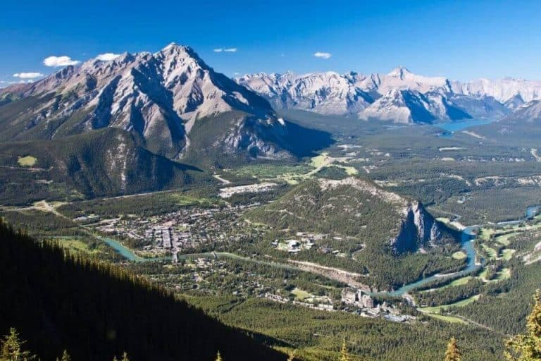 13 Best Small Towns In Alberta Worth Visiting!
