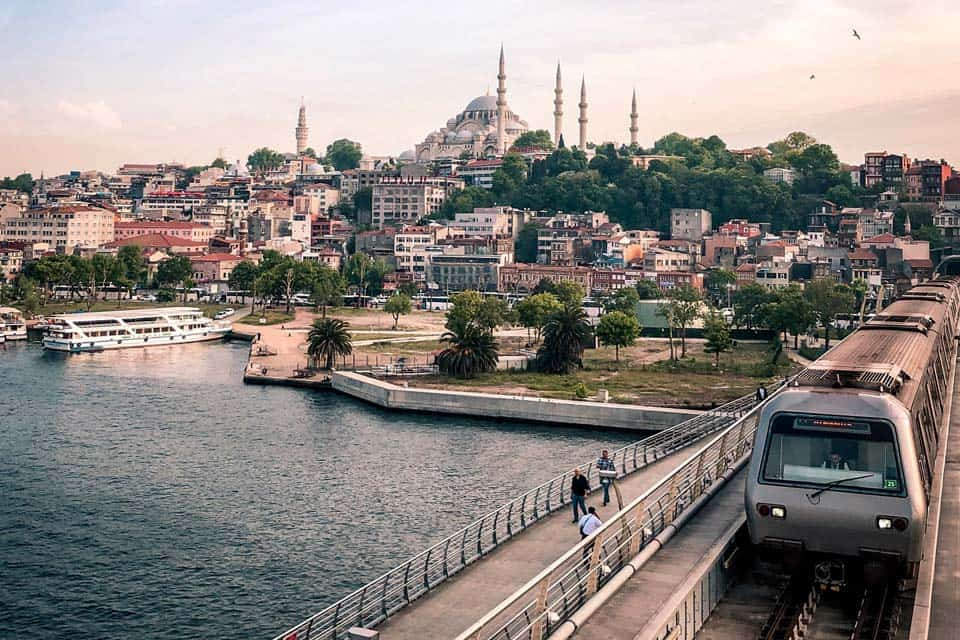 How-To-Get-From-Istanbul-airport-to-city-Center-Featured
