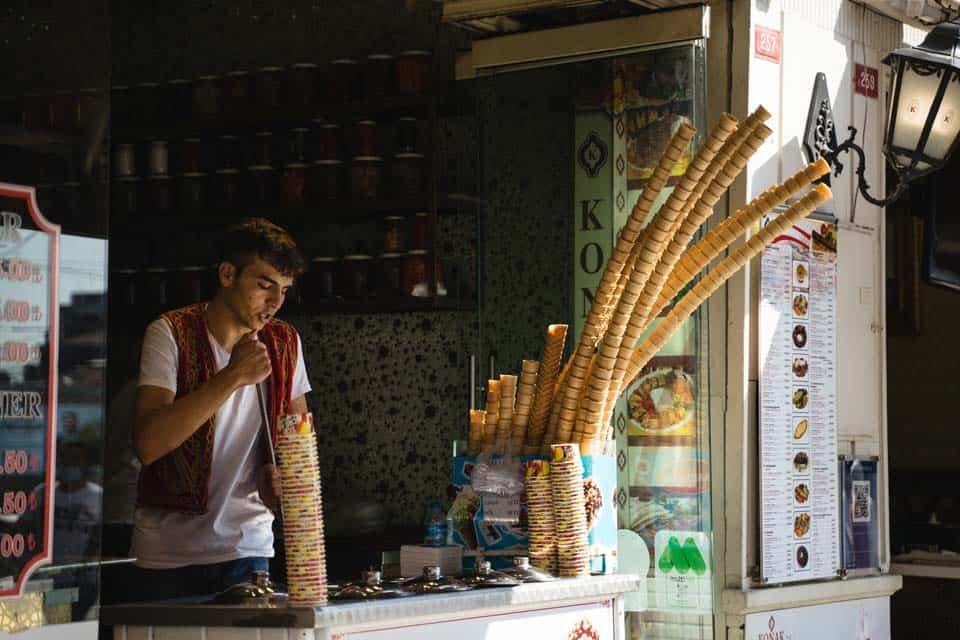 Dondurma-Turkish-Ice-Cream-What-To-Eat-In-Istanbul